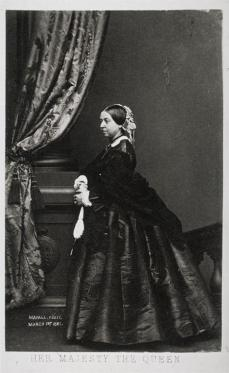 John Edwin Mayall; Queen Victoria, carte-de-visite; 1861