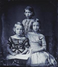 Gustav Oehme; Three Girls, Boheme; 1843; daguerrotype