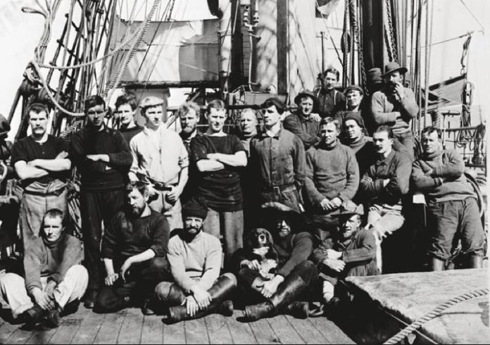 Ponting, Herbert Scott's Antarctic 1910. Some of the crew members from the Terra Nova expedition.