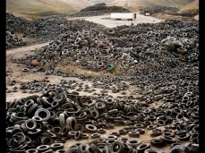 Edward Burtynsky; Oxford Tire Pile 1; 1999