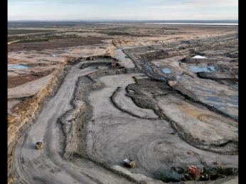 Edward Burtynsky; Alberta Oil Sands 8