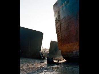 Edward Burtynsky; Shipbreaking 2; 2000