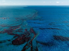 Edward Burtynsky; Oil Spill 9; 2010
