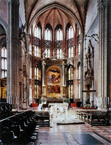 Thomas Struth; Chiesa dei Frari, Venice; 1995; print on paper; 232 x 183.8 cm