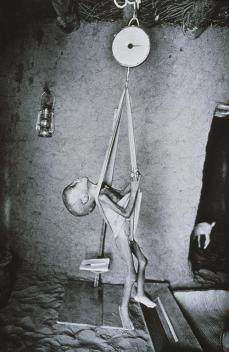 Sebastiao Salgado; Mali: Nutritional Center; 1985