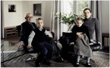 Thomas Struth; The Richter Family 1, Cologne; 2001; C print; 134.9 x 193.3 cm; Dallas Museum of Art, Texas, USA