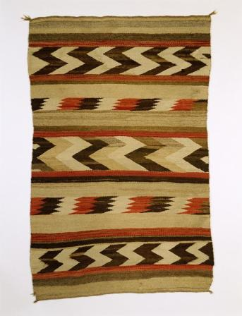 Navajo, Rug, beige ground w/ center band of dark brown and white short vertical zigzags, Early Rug Period, c.1900-1925, Wool; Dye, 142.5 cm x 93 cm x 0.2 cm, Peabody Museum of Archaeology and Ethnology